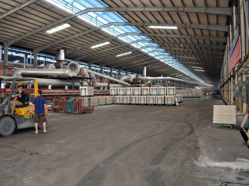 Wide body roller furnace